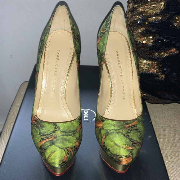 dolly pump shoes